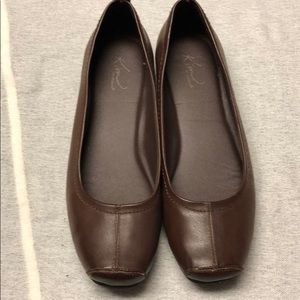 Brown leather dress flats